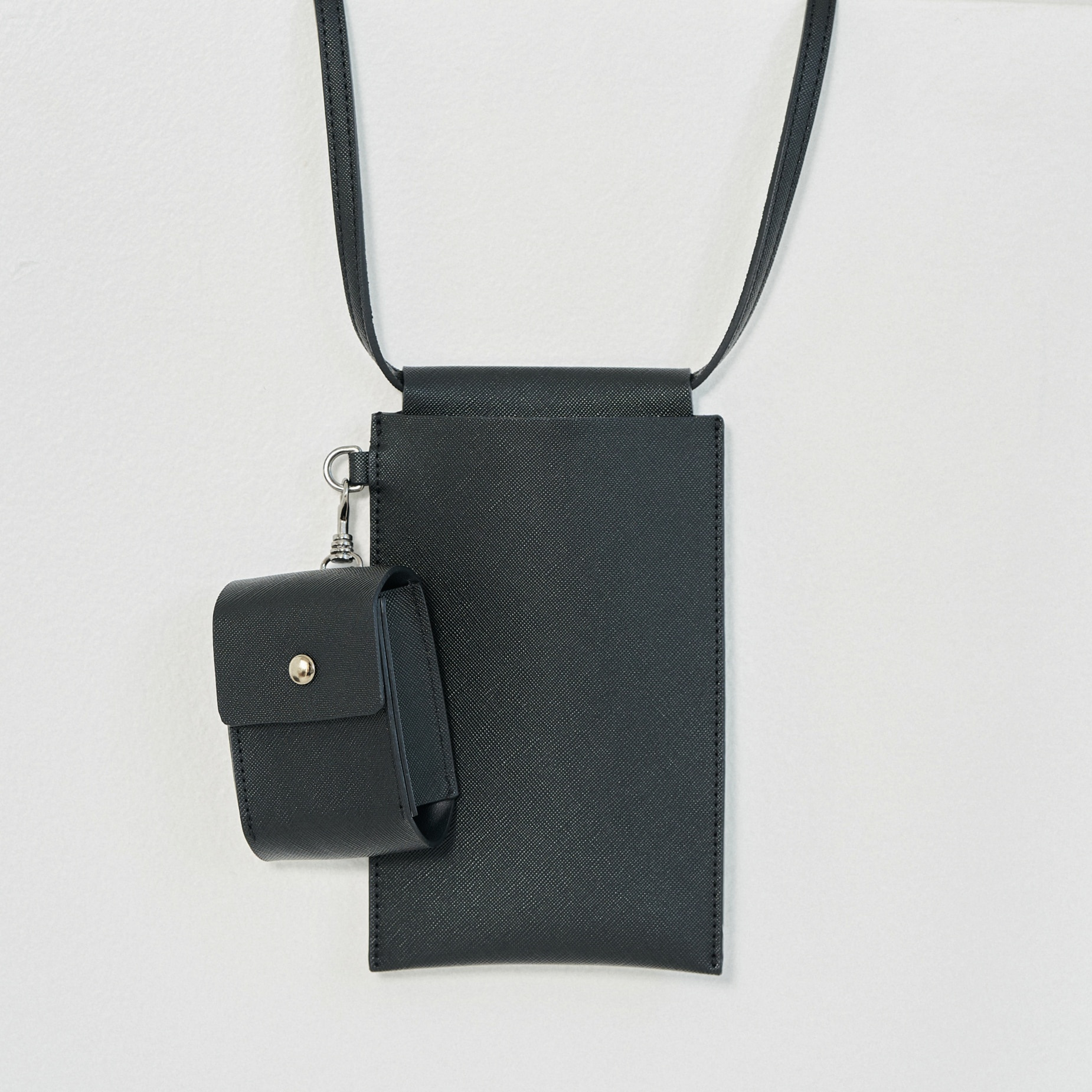 vegan leather mini-cross (BK)